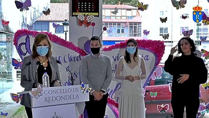 Joshua Alonso Mateo realiza el manifiesto contra la violencia de género en Redondela